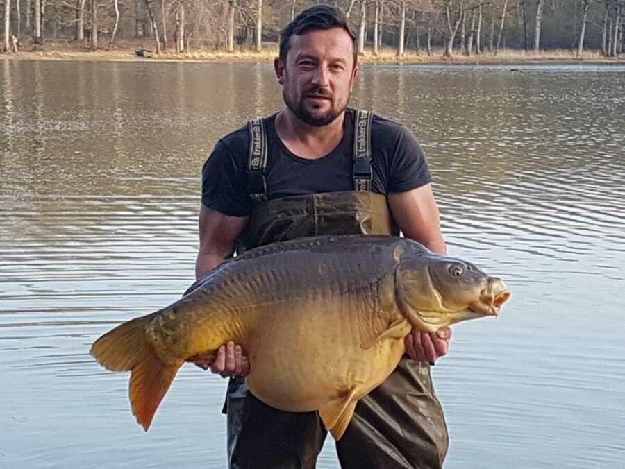 Big carp fishing camalo france