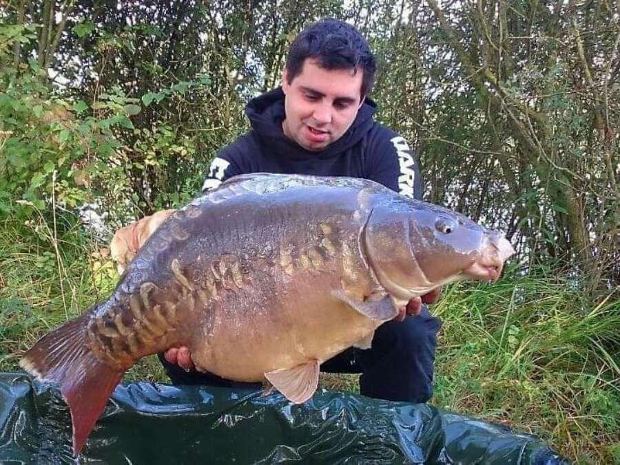 Authentic fishing 4