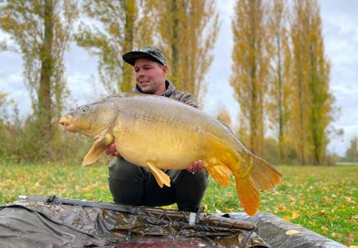 Authentic fishing carp france 30 n