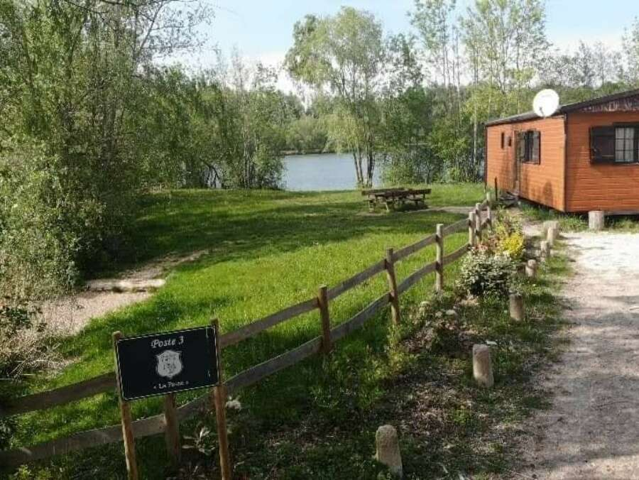 Carp fishing with holiday home in France